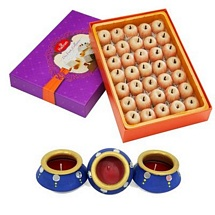 750g Kaju Apple Diwali Sweets with 3 Decorated Matki Diyas