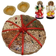 Haldiram�s Dry Fruits Tokni with Laxmi Ganesh Idols